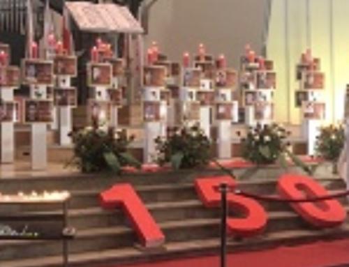 Herdenking van de martelaren van de opstand in Iran, in Centrale Kerk in Den Haag